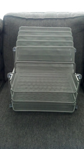 Storage rack for papers