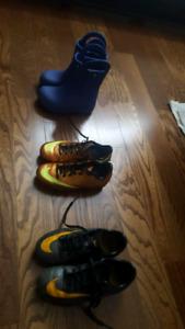 Chaussures soccer et bottes pluie Crocs enfants