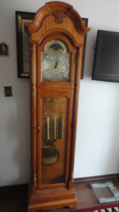 Howard Miller Grandfather clock AUTOMATIC NIGHT TIME SHUTOFF