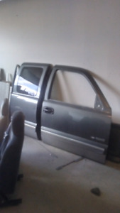 99-03 Chevy/gmc truck parts.