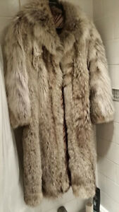 Eastern Canada Timber Wolf Womens Long Fur Coat medium