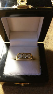14KT yellow gold man''s diamond ring