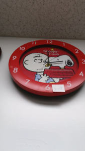 Snoopy and friends wall clock