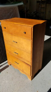 Dresser with 4 Drawers