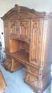 Beautiful Desk and Hutch  Sarnia Sarnia Area image 3