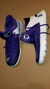 Nike Kevin Durant shoes  size 13