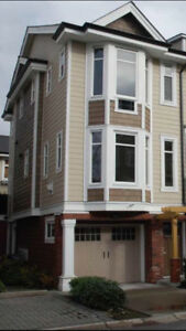 $2300 / 4br - 1750ft2 - Willoughby Heights Townhouse for rent