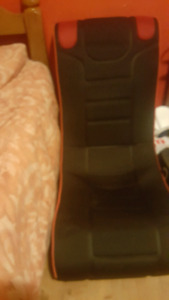 Gaming chair with subwoofer