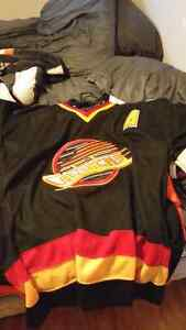 Nhl jerseys great condition Peterborough Peterborough Area image 2
