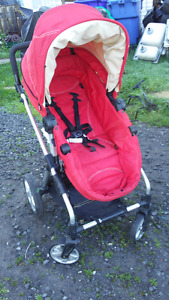 Poussette ICOO multi position,coquille Britax ,support universel