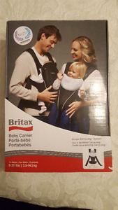 **SELLING**- Britax baby carrier and insert