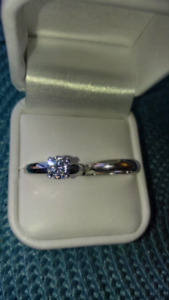 Beautiful ladies 1 carat cubic zirconia Ring and Band $80
