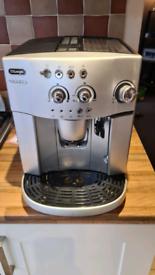 DELONGHI MAGNIFICA BEAN TO CUP COFFEE MACHINE