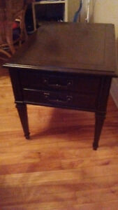 Nice End Table w/Drawer