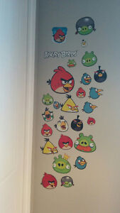 Lot Angry Birds: peluches sonores, porte-clés, banque, sac à dos