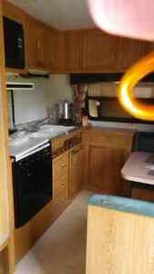 Mint condtion 1991 travel trailer (sleeps  6)