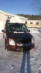 2013 Ford Transit Connect LOW KMS!