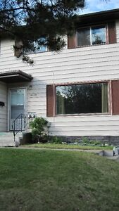 $1400.00, 3 Bedroom, Full Duplex