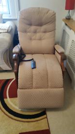 Cintique Riser recliner chair