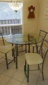 Glass kitchen table with 4 chairs Cambridge Kitchener Area image 3