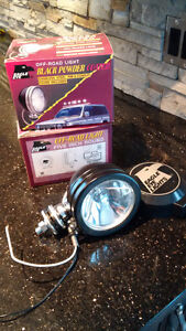 "2 Lumières ""Driving light"" 130W neuves, hors route"
