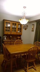 Solid Wood Dinning/KitchenTable with 4 Chairs with Hutch Oakville / Halton Region Toronto (GTA) image 2