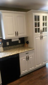 Parsons Cabinets / Kitchen Cabinets, Refacing,Remodelling Windsor Region Ontario image 9