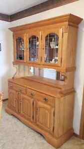10 Piece Dining room Suite with Hutch