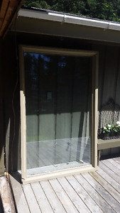 LARGE PICTURE WINDOW