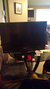 """32"""" FLAT SCREEN  SONY TV FOR SALE"""