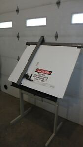 Vemco 520 Free standing Drafting Table