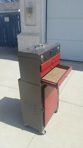 Spoken for,delete,when picked up,3 drawer toolbox, & roller box