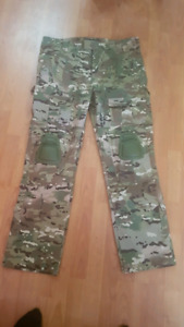 Xl Multicam pants with built in knee pads