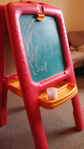 Toddler paint and chalk board easel
