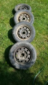 185 65 14 Tires on Rims Set of 4 (All seasons M+S)