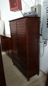 Beautiful armoire - Delivery Available