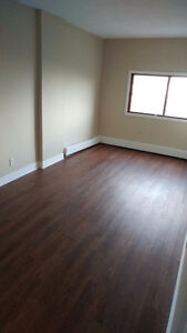 3BR&DOWNTOWN AREA&DEPOSIT FREE