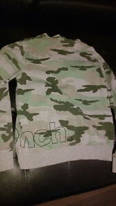 hooded bench sweater size small Cambridge Kitchener Area image 2