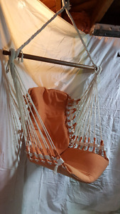 HANGING CANVAS & ROPE CHAIR