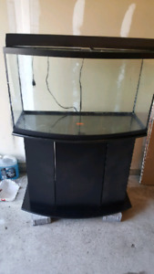 fish tank 46 gal bow front mint condition!!!!