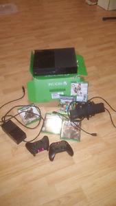 XBOX ONE 500G avec Kinect, 2 manettes et 5 jeux