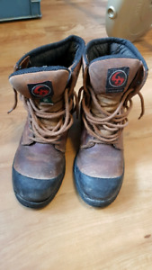 Size 9 Mens Steel Toe Work Boots w/ CSA Green Patch - Well Worn
