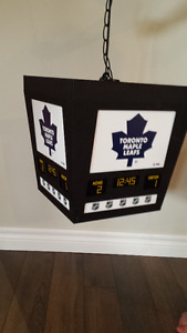 Lampe suspendue Maple Leaf de Toronto
