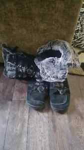 Sketchers boots size 9.5