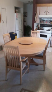 Solid White Oak Dining Suite