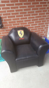Ferrari leather Chair / Lazy boy