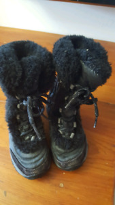 North face kids size 11 winter boots