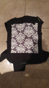 Sash baby carrier