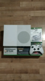 Xbox one s 500 GB good condition BOXED