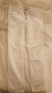 White American Eagle jeans size 6